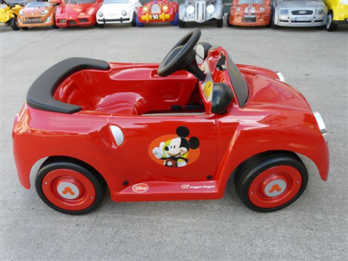 voiture a pedales mickey club house toys toys garage a miniatures. Black Bedroom Furniture Sets. Home Design Ideas