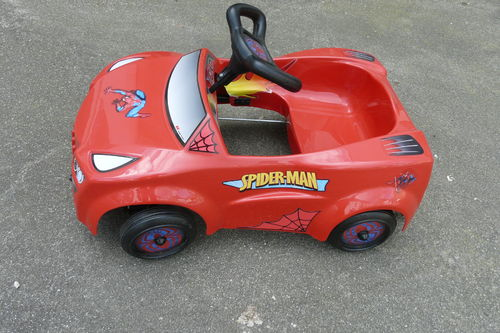 VOITURE A PEDALES SPIDERMAN 2012 TOYS TOYS