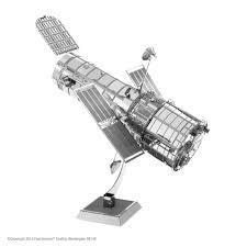 MAQUETTE METAL EARTH HUBBLE TELESCOPE - REF MMS093