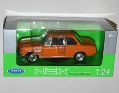 VOITURE BMW 2002TI ORANGE WELLY ECHELLE 1/24